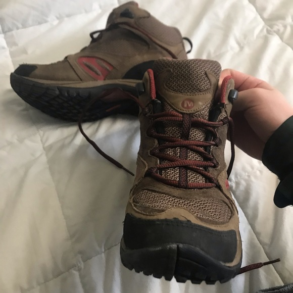 5841bf03d99 Women's Dark Earth/Red Merrell Hiking Boots